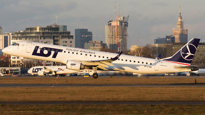 SP-LNM - LOT - Polish Airlines Embraer ERJ-195 (190-200)