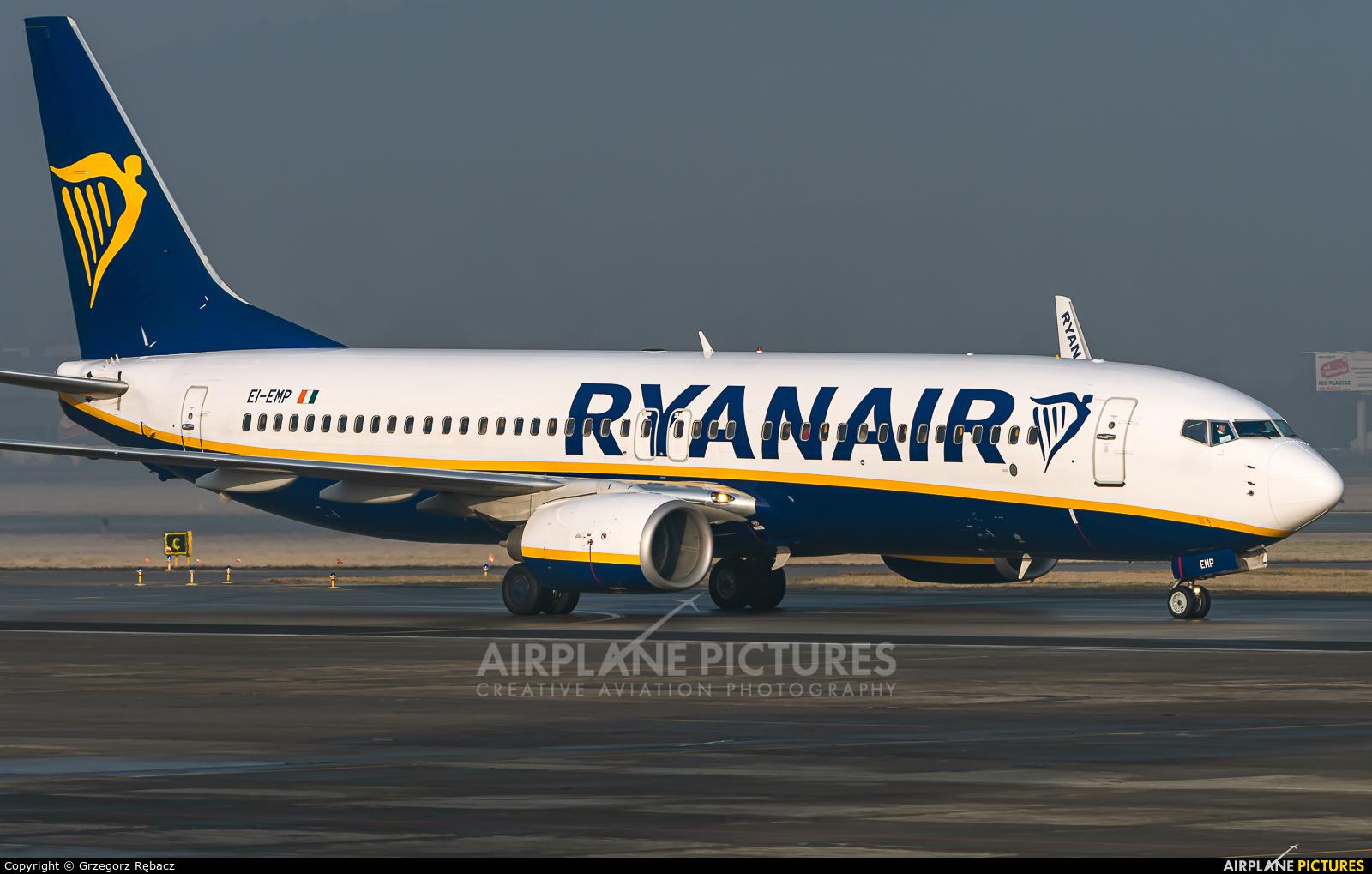 Ryanair EI-EMP aircraft at Kraków - John Paul II Intl