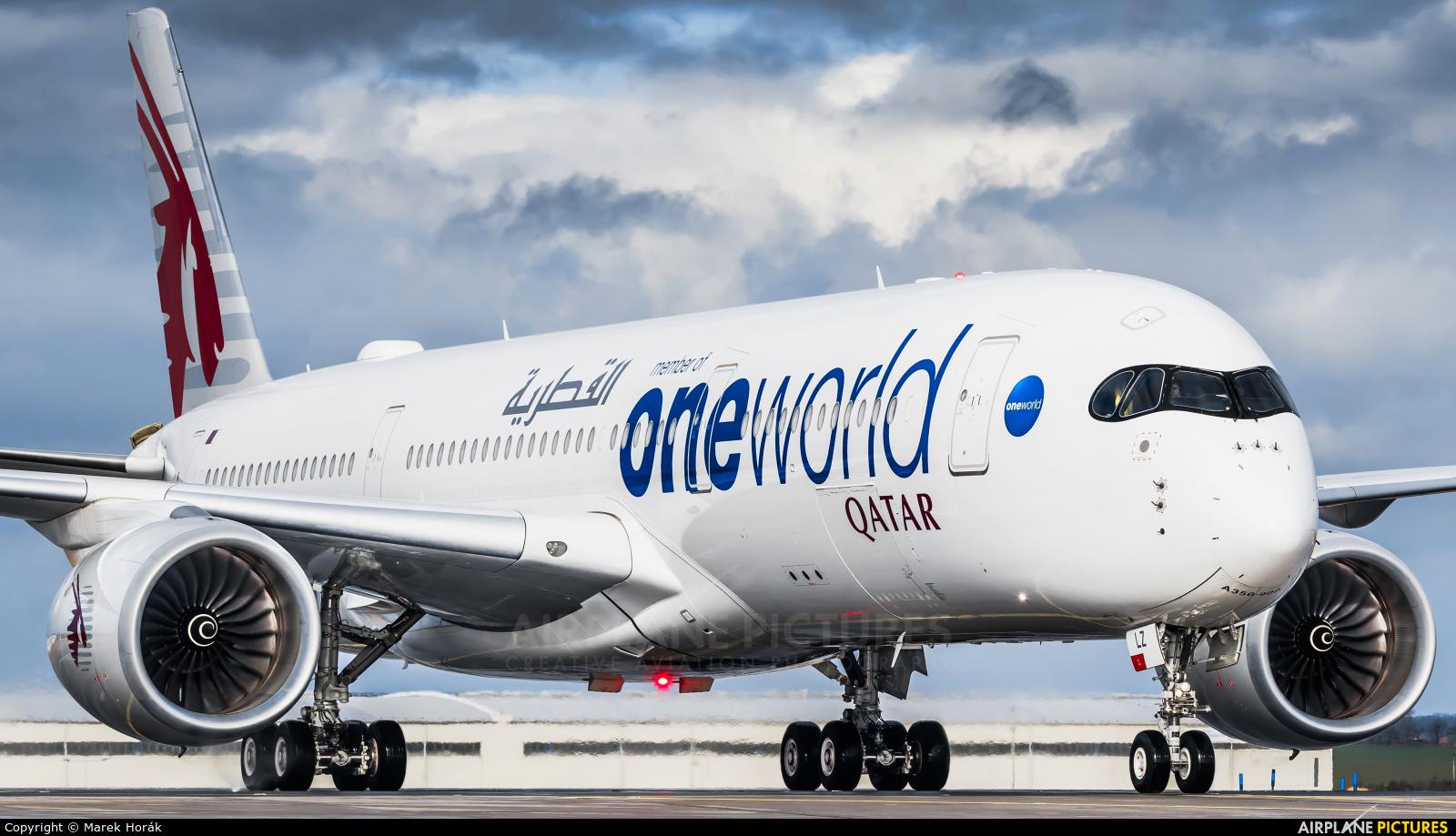 Qatar Airways A7-ALZ aircraft at Prague - Václav Havel