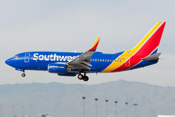 N7820L - Southwest Airlines Boeing 737-700