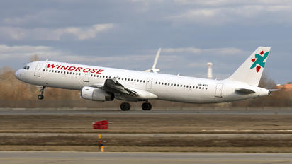 UR-WRV - Windrose Air Airbus A321