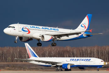 VQ-BRE - Ural Airlines Airbus A320