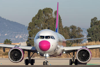 HA-LVC - Wizz Air Airbus A321 NEO
