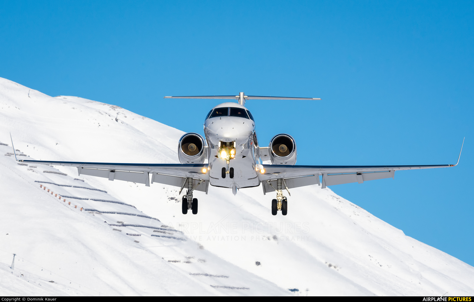 Private D-AVAN aircraft at Samedan - Engadin