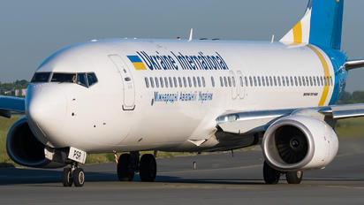 UR-PSR - Ukraine National Airlines Boeing 737-800