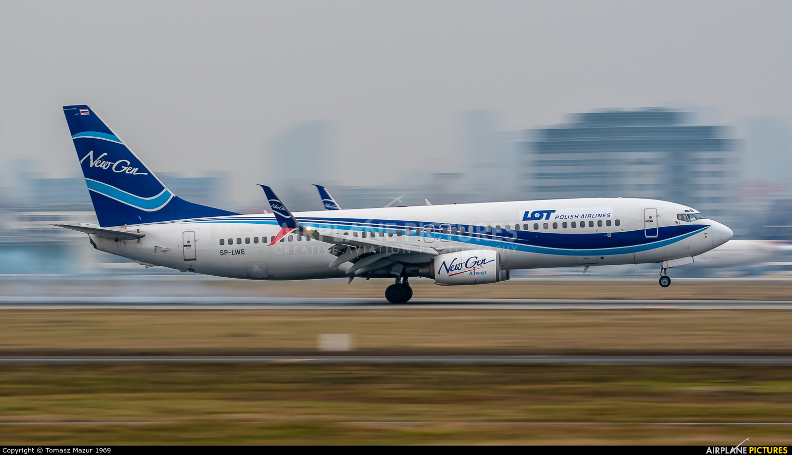 LOT - Polish Airlines SP-LWE aircraft at Warsaw - Frederic Chopin