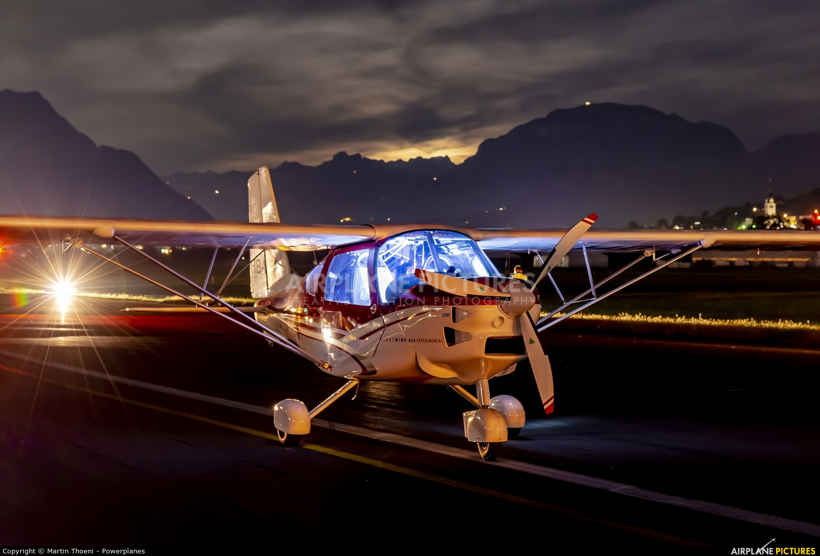 Private HB-WEA aircraft at Buochs