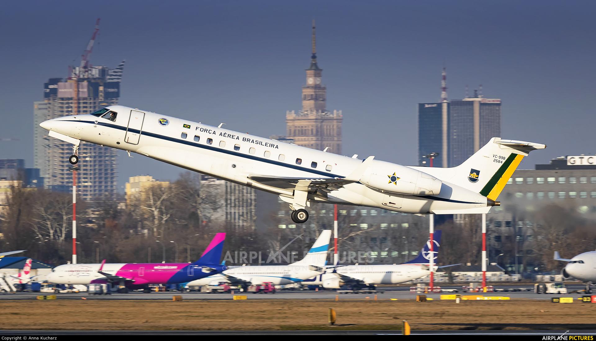 Brazil - Air Force 2584 aircraft at Warsaw - Frederic Chopin