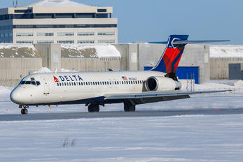 N974AT - Delta Air Lines Boeing 717