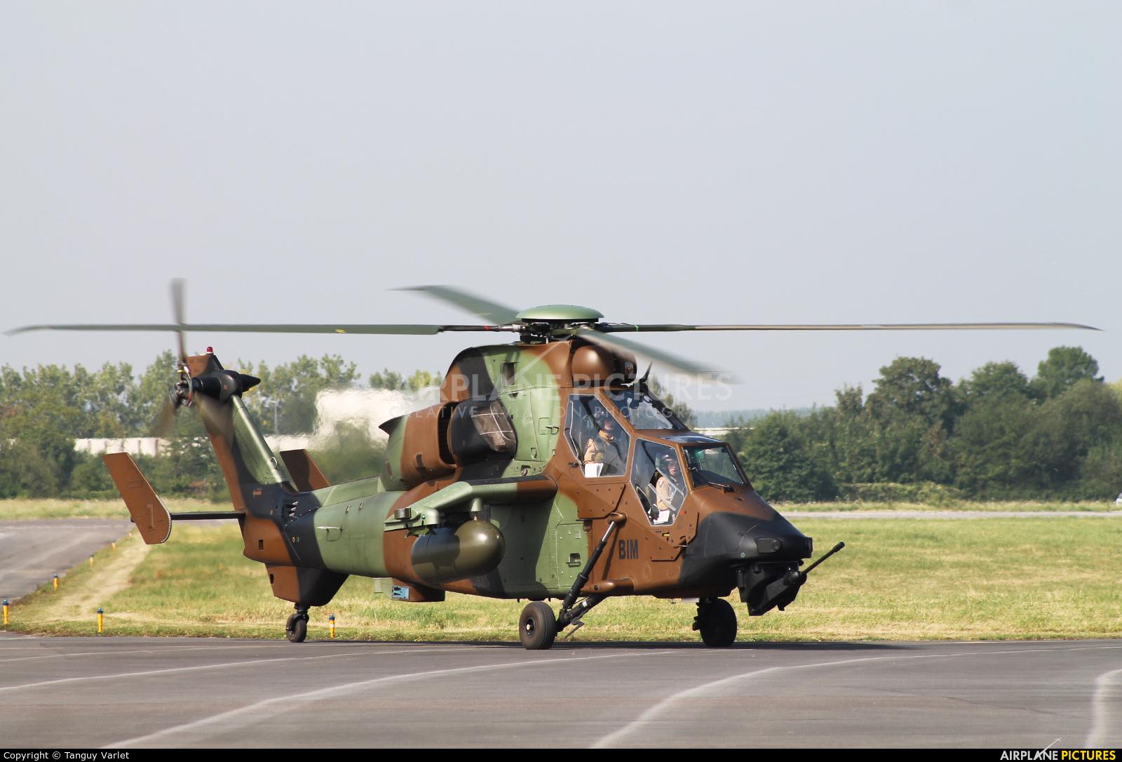 France - Army F-MBIM aircraft at Valenciennes - Denain