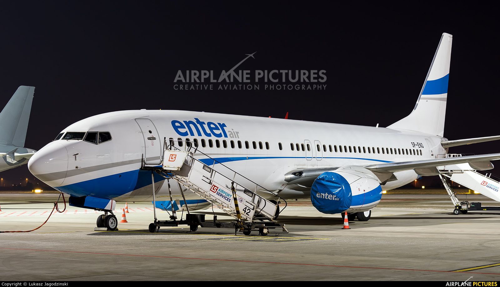 Enter Air SP-ENQ aircraft at Warsaw - Frederic Chopin