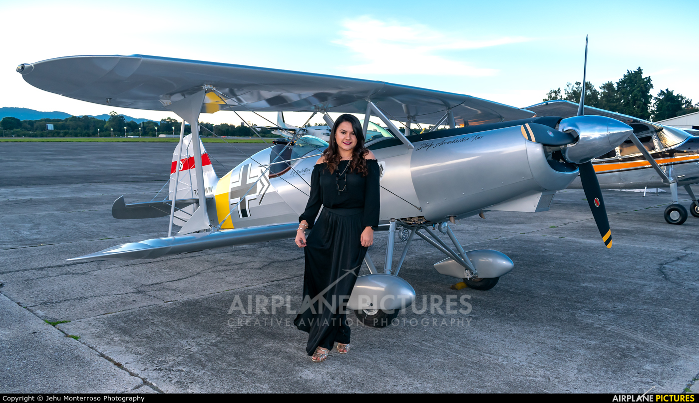 - Aviation Glamour - aircraft at Guatemala - La Aurora