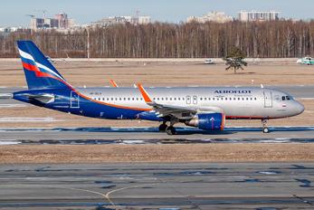 VP-BLH - Aeroflot Airbus A320
