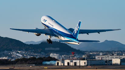JA742A - ANA - All Nippon Airways Boeing 777-200