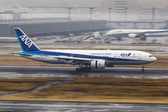 JA715A - ANA - All Nippon Airways Boeing 777-200ER