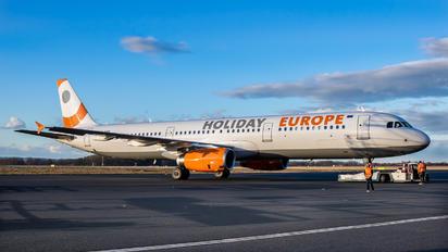 A7-ADS - Onur Air Airbus A321