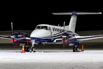 M-LLMW - Gama Aviation Beechcraft 300 King Air 350