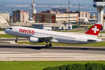 HB-IJS - Swiss Airbus A320