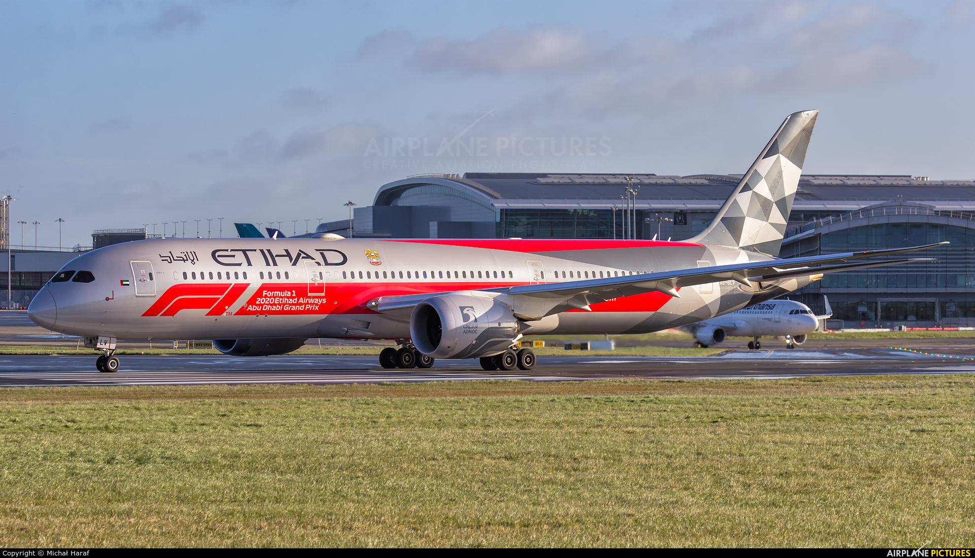 Etihad Airways A6-BLV aircraft at Dublin