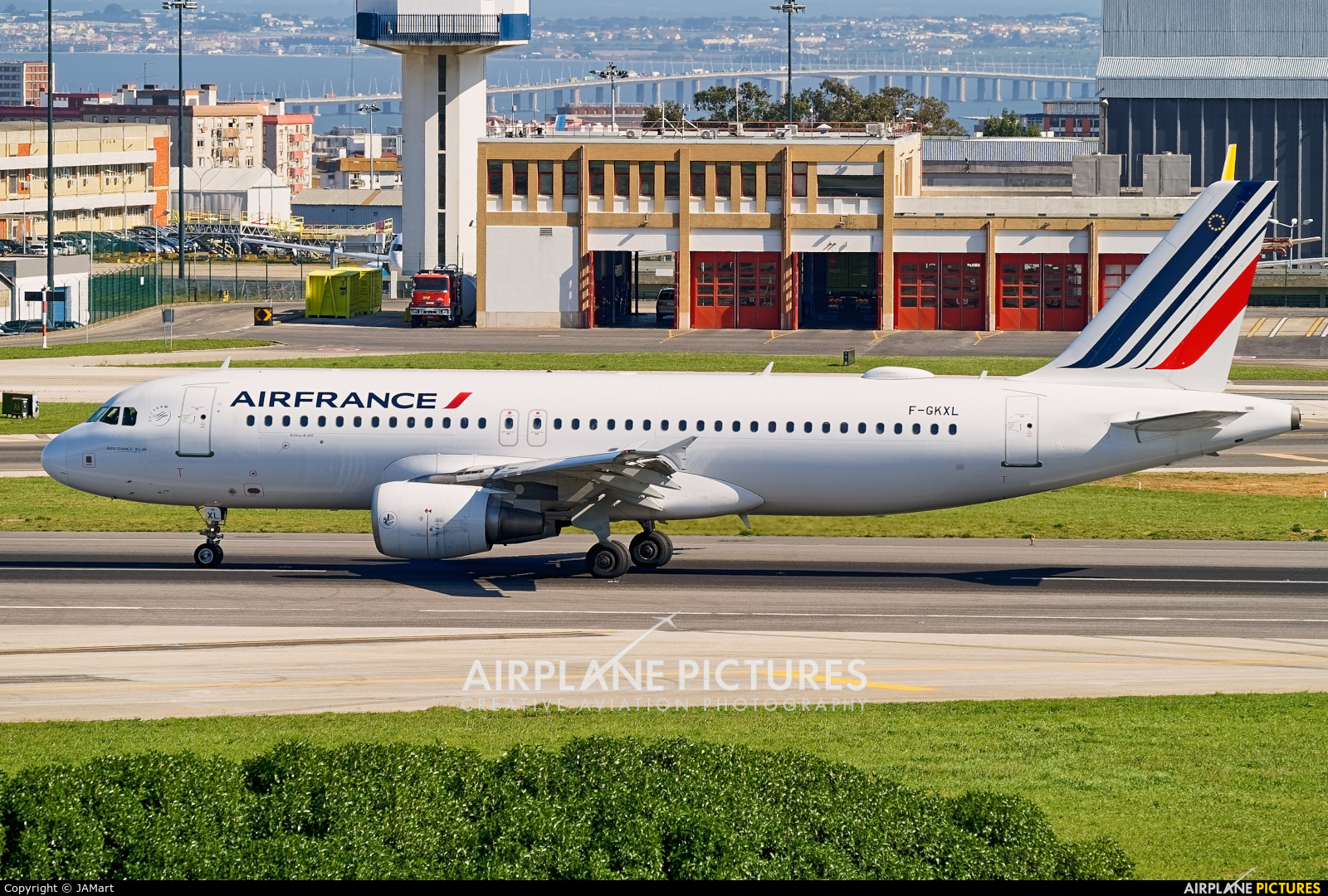 Air France F-GKXL aircraft at Lisbon