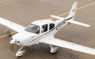 OK-UHE - Private Cirrus SR22