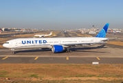 N2749U - United Airlines Boeing 777-300ER aircraft