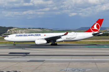 TC-LOG - Turkish Airlines Airbus A330-300