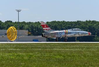 N2011V - Private North American F-100F Super Sabre