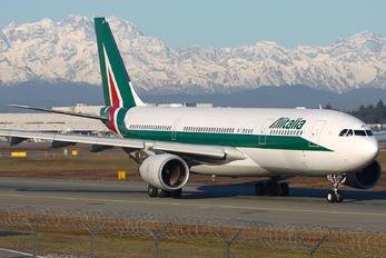 EI-EJP - Alitalia Airbus A330-200