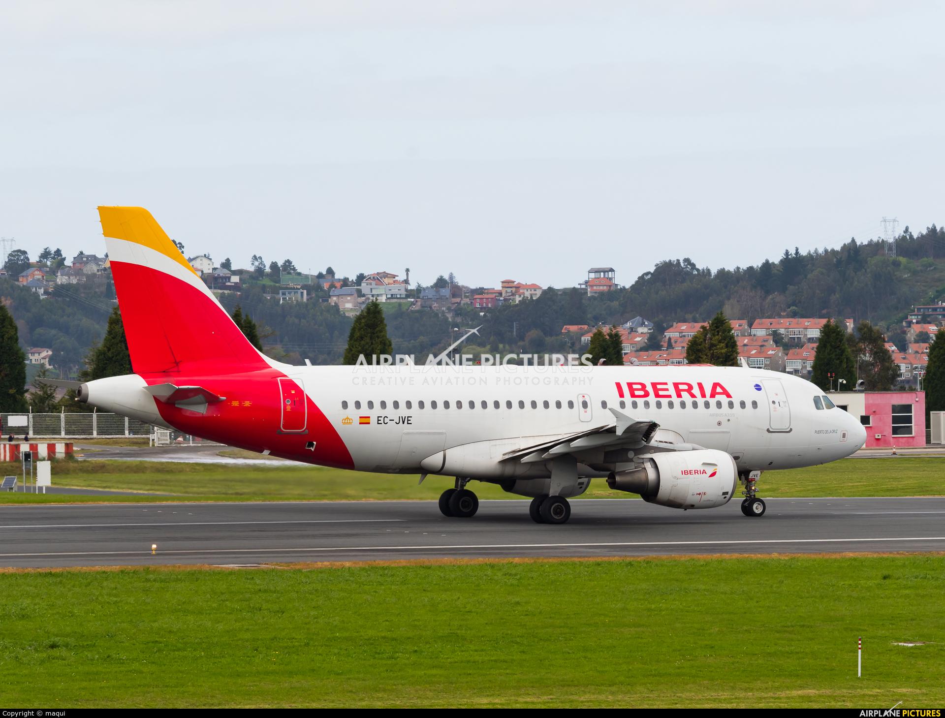 Vueling Airlines EC-JVE aircraft at La Coruña