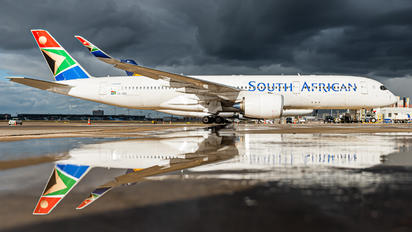 ZS-SDC - South African Airways Airbus A350-900