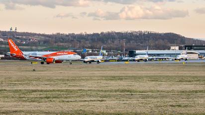 G-UZHF - easyJet Airbus A320 NEO