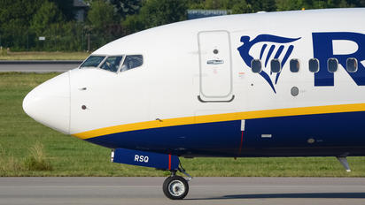 SP-RSQ - Ryanair Sun Boeing 737-8AS