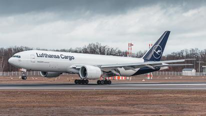 D-ALFG - Lufthansa Cargo Boeing 777F