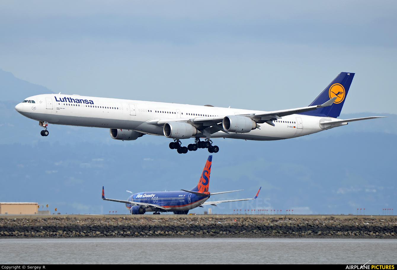 Lufthansa D-AIHZ aircraft at San Francisco Intl