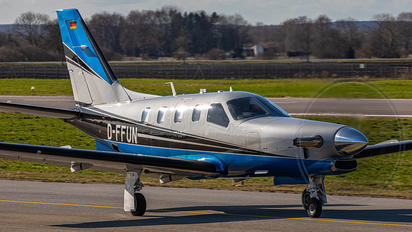 D-FFUN - Private Socata TBM 910