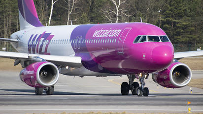 HA-LWX - Wizz Air Airbus A320
