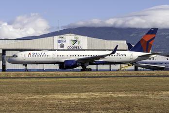 N692DL - Delta Air Lines Boeing 757-200