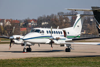 OY-MEN - Private Beechcraft 300 King Air 350