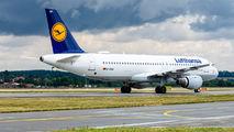 D-AIQH - Lufthansa Airbus A320 aircraft