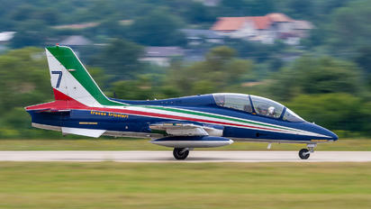 "7 - Italy - Air Force ""Frecce Tricolori"" Aermacchi MB-339A"