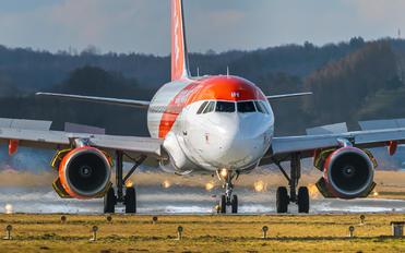 G-EZIH - easyJet Airbus A319