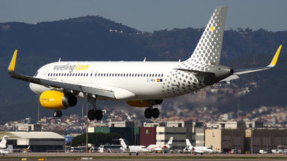 EC-MKM - Vueling Airlines Airbus A320