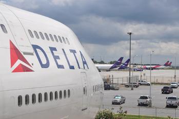 KATL - Delta Air Lines Boeing 747-400