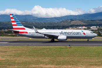 N987AN - American Airlines Boeing 737-800