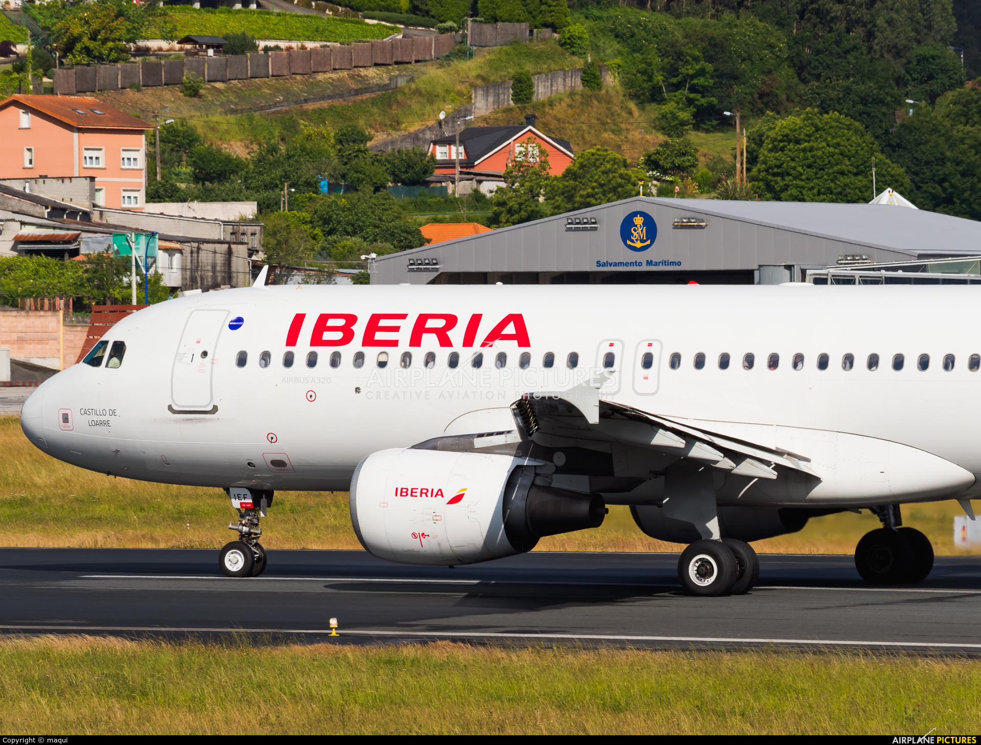Iberia EC-IEF aircraft at La Coruña