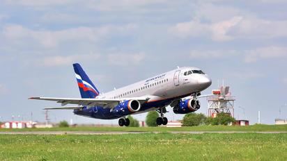 RA-89026 - Aeroflot Sukhoi Superjet 100LR