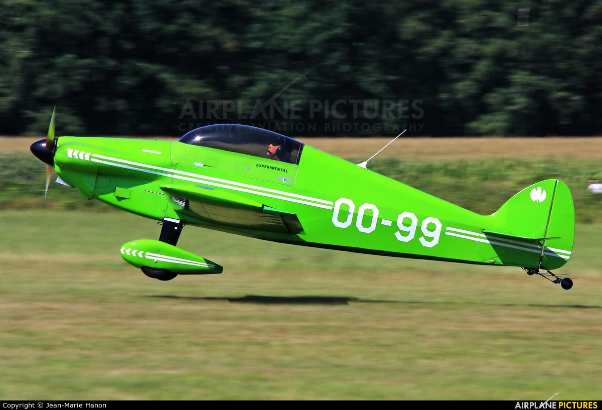 Private OO-99 aircraft at Diest Schaffen