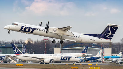 SP-EQB - LOT - Polish Airlines de Havilland Canada DHC-8-400Q / Bombardier Q400