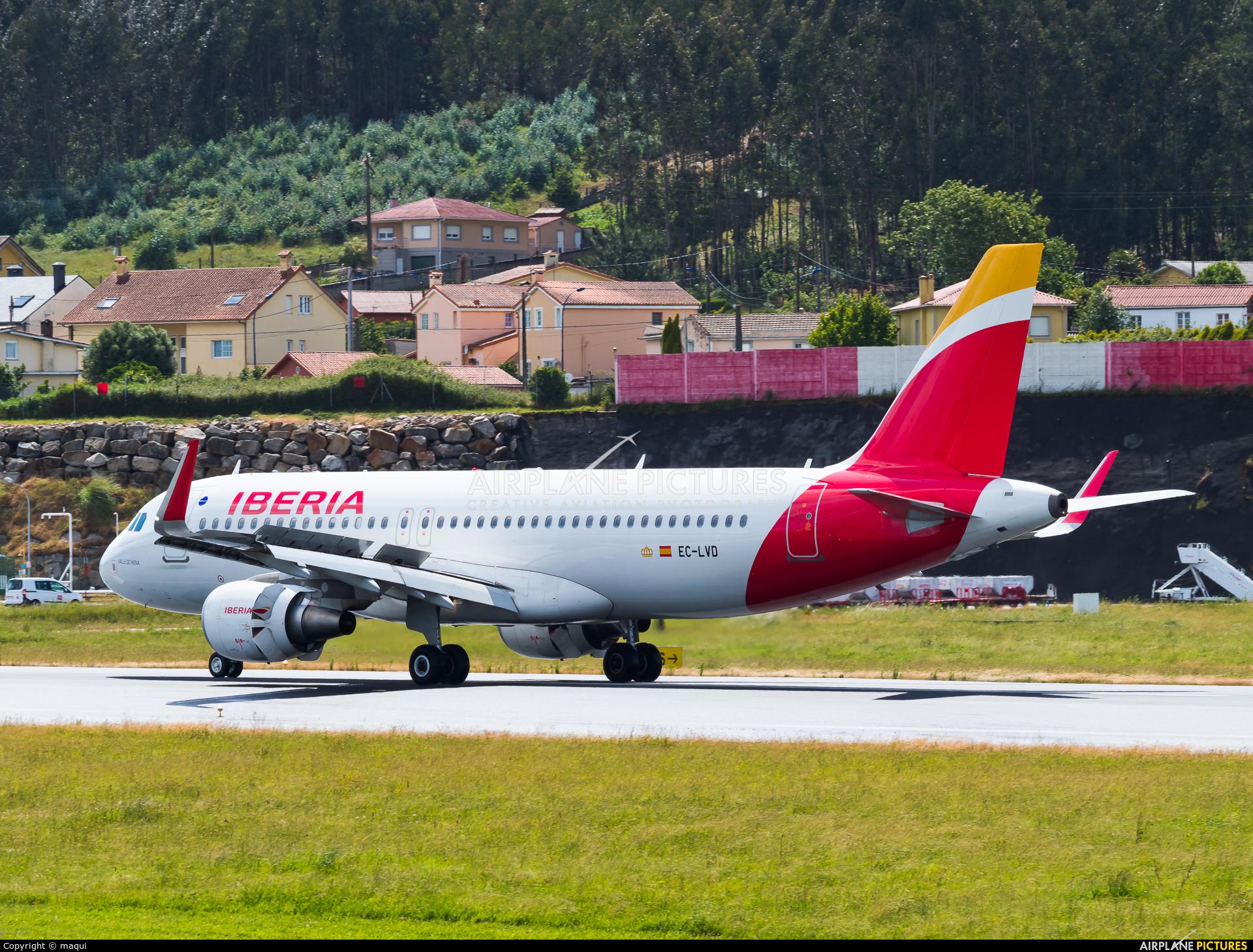 Iberia EC-LVD aircraft at La Coruña